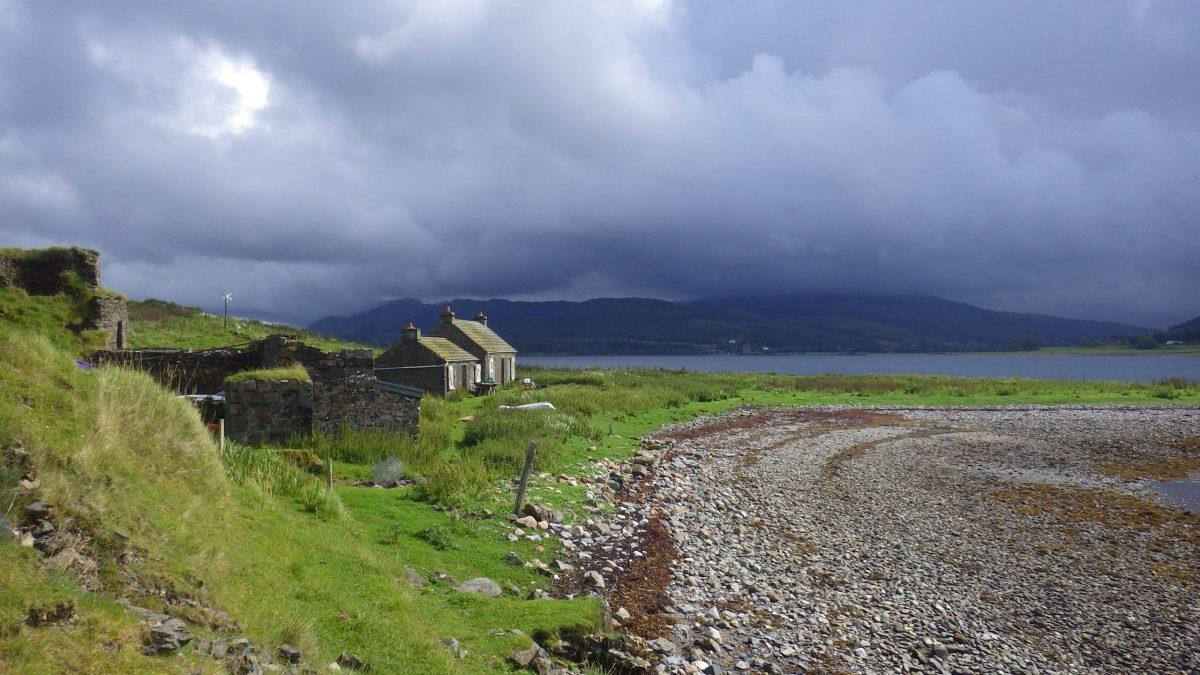 Scotislands Eilean nan Caorach Appin cottage