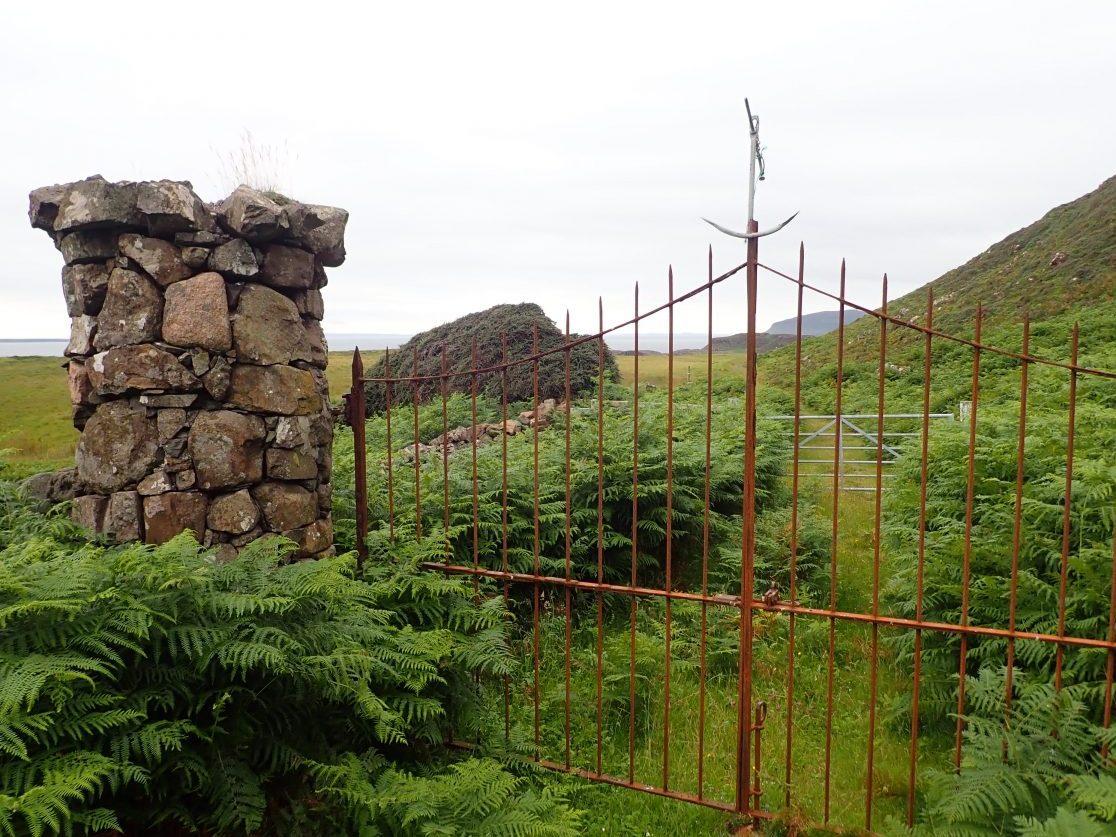Gometra anchor gate