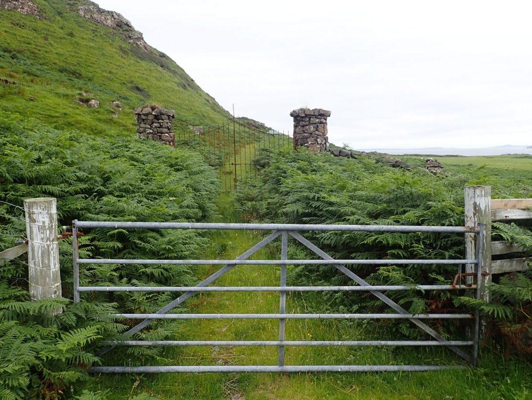 Gometra gates
