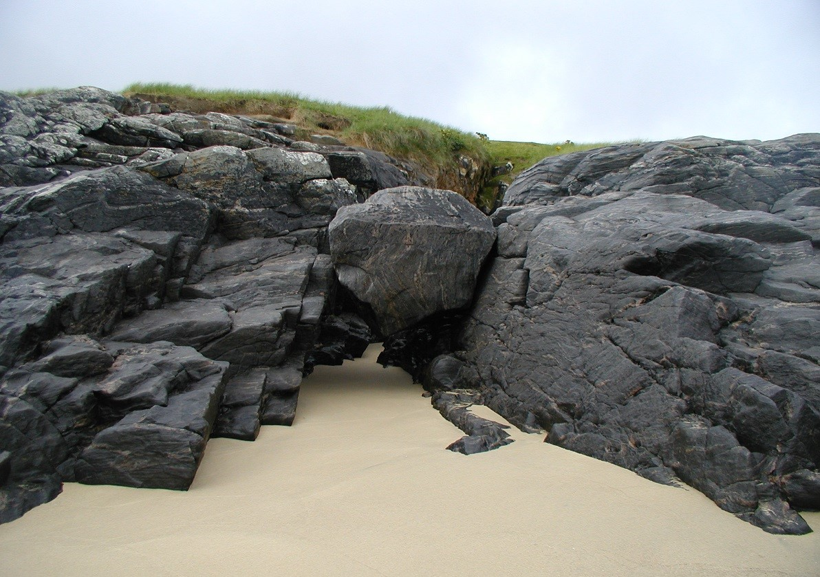 Mingulay beach boulder