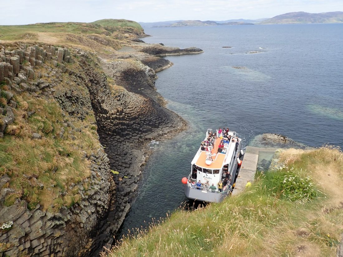 Staffa tourist visit boat