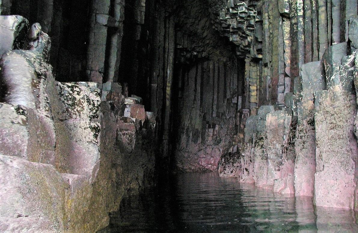 Fingal's cave Staffa entrance