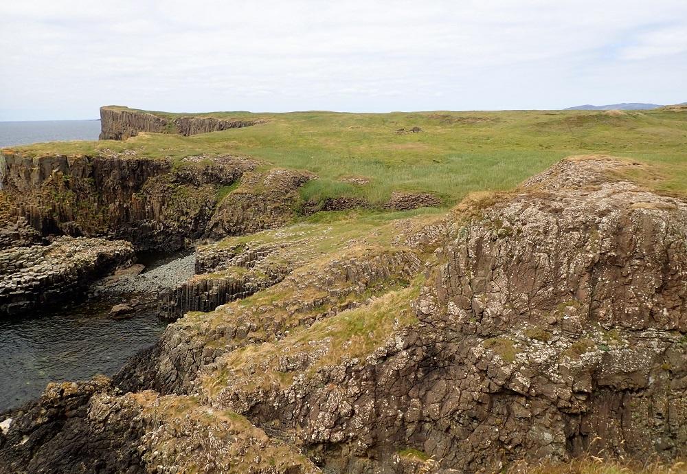 Staffa south shore